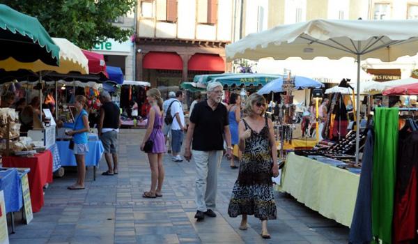 Les marchés nocturnes de l'été dans l'Aude