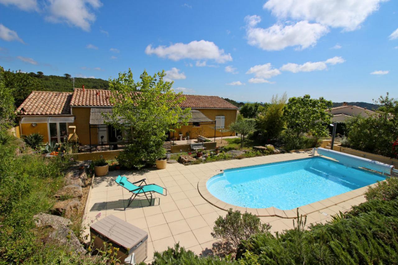 House  | 305 000 €