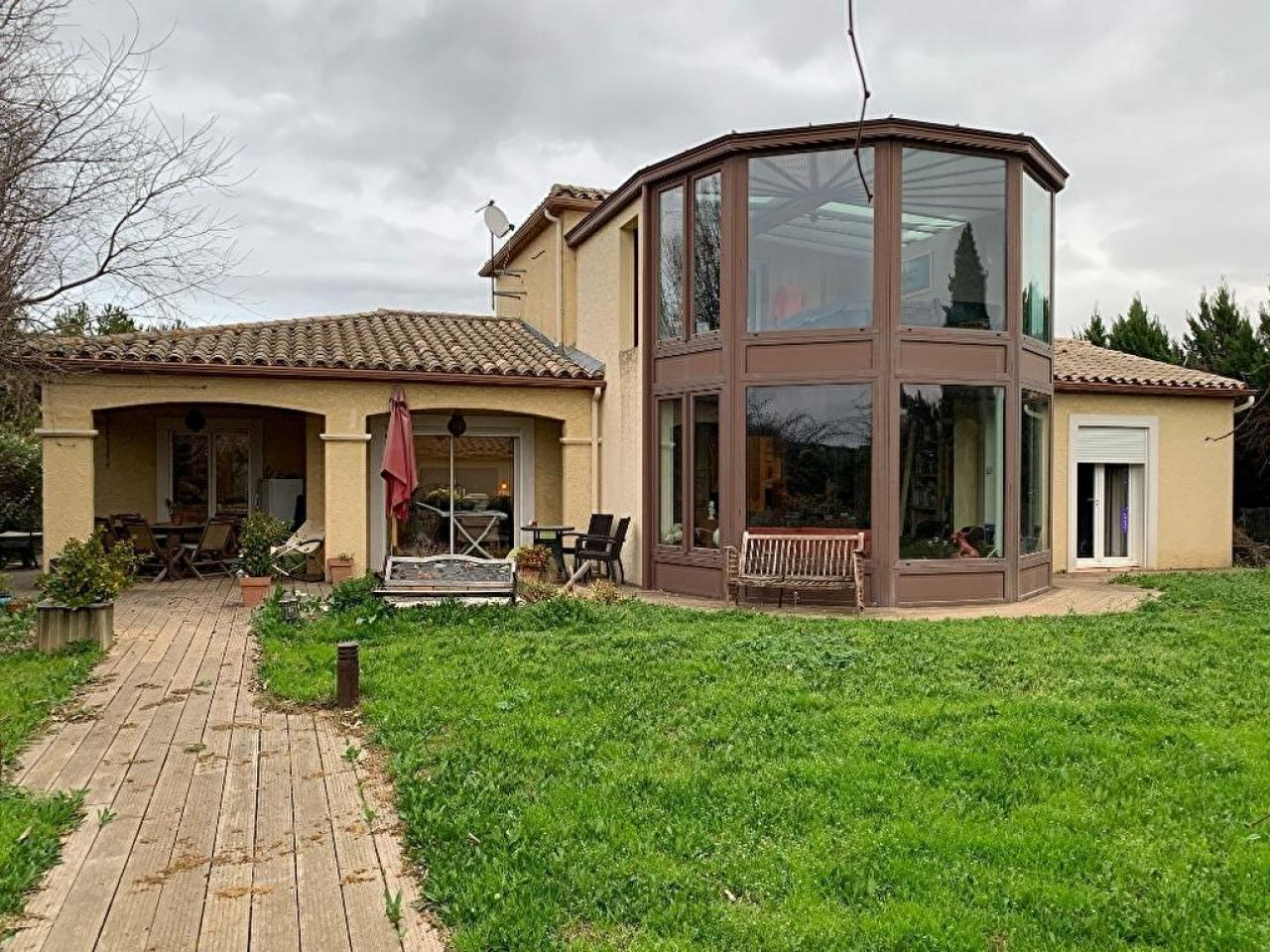 House  | 328 000 €
