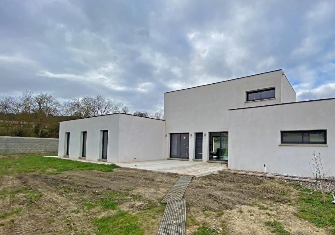 House  | 374 000 €