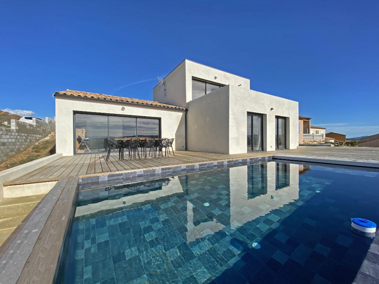 House  | 422 000 €