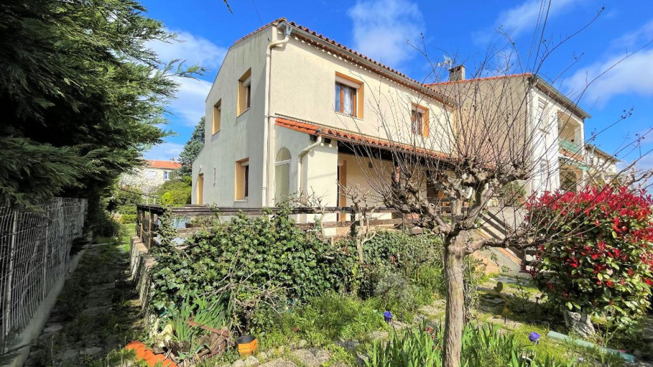 House  | 185 000 €