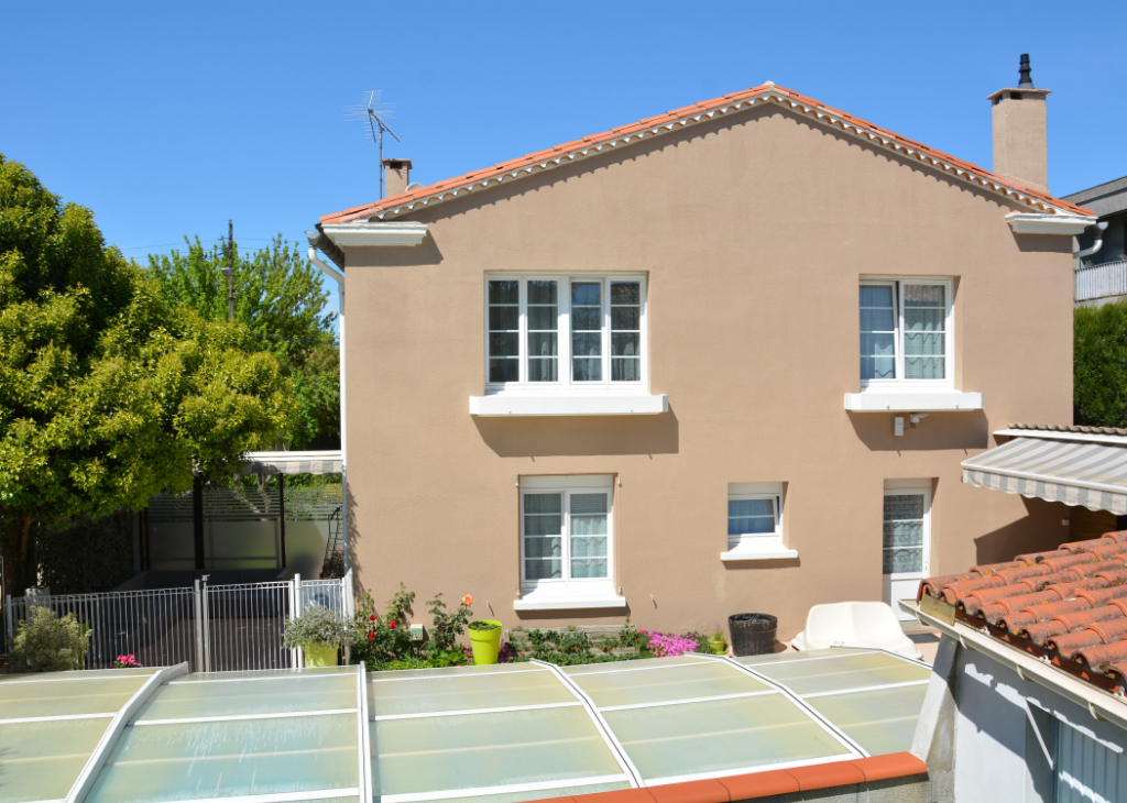 House  | 320 000 €
