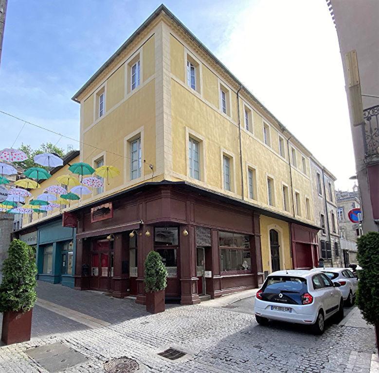 Building  | 370 000 €