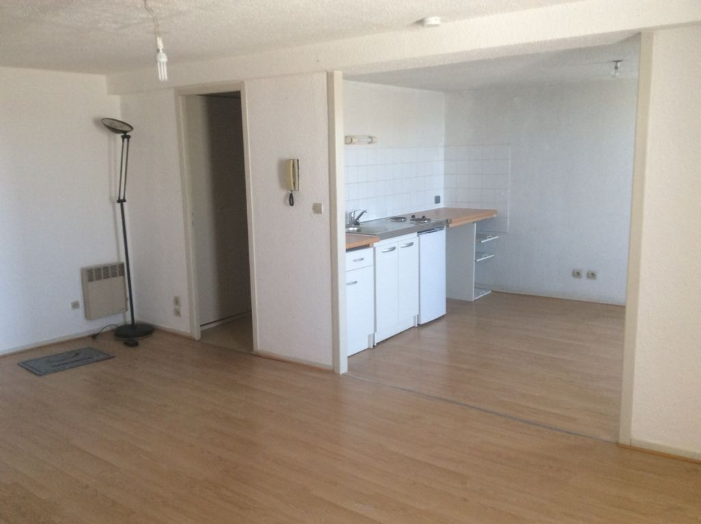 Apartment CARCASSONNE | 330 € / month